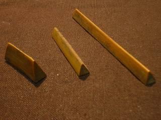 鶴壽堂 第1フレットはかなり鋭角