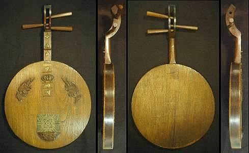 清音斎の月琴